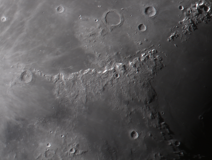 moon_025449_ps